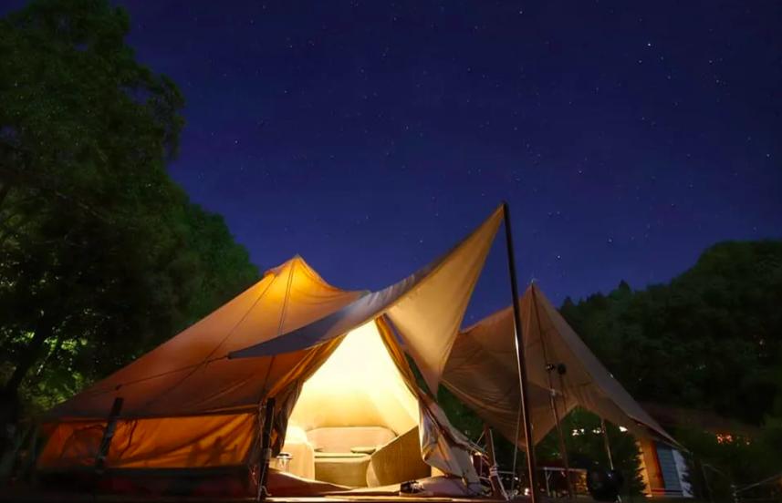岡山のおすすめグランピング&キャンプ施設④蒜山 コテージ 森の散歩